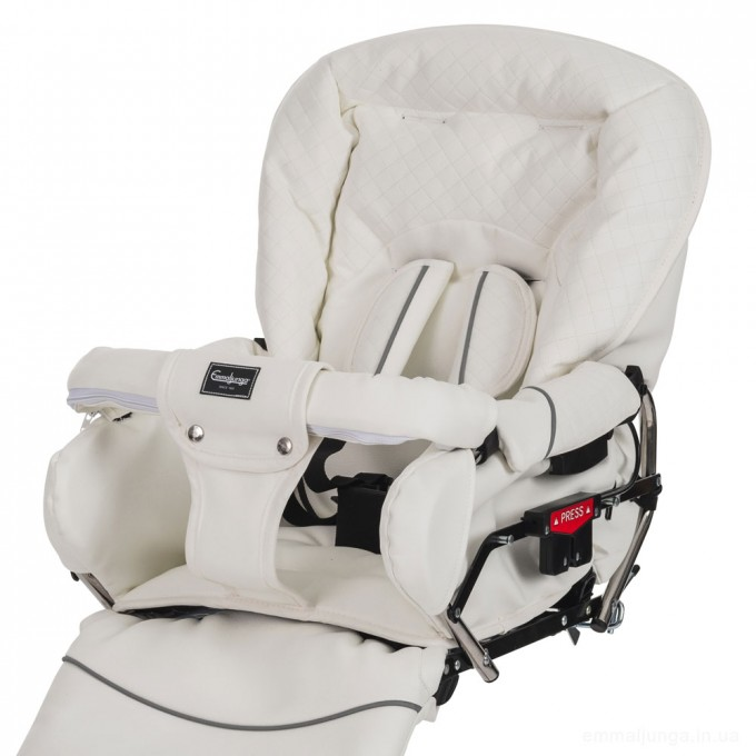 Emmaljunga Mondial de Luxe White Leatherette